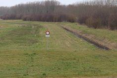Maandag 9 maart 2015, Almere, Tussen de Vaarten, gesloten groenstrook