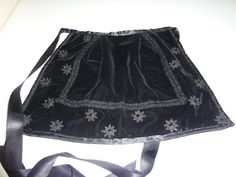 Kira Original: Mandil para traje tradicional gallego de niña
