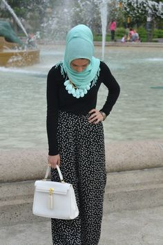 Simple black with mint