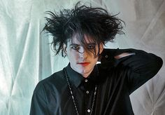 the cure robert smith 80s Goth, Punk Goth, Waves Icon, Robert Smith The Cure, James Smith, Siouxsie & The Banshees, Boys Don't Cry, I Robert, Into The Fire