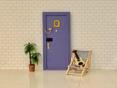 Puerta ratoncito Pérez FRIENDS, regalos fans serie FRIENDS, puerta FRIENDS miniatura, regalos FRIENDS, Oui Oui Oui Oui, Vintage, Home, Style, Tooth Fairy, Doors, Miniatures, Presents, Hipster Stuff