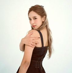 South Korean Girls, Korean Girl Groups, Talia, Oh My Girl Yooa, Sana Momo, Myoui Mina, Jennie Lisa, Nayeon, 90s Fashion