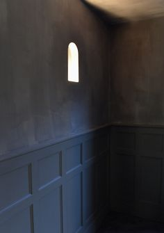 Lime plaster and mineral washes.