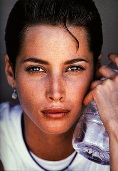 Model: Christy Turlington (1990) Photographer: Gilles Bensimon