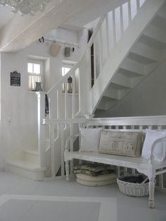 Shabby Chic Home Decor Shabby Chic Homes, Shabby Chic Decor, Rustic Decor, Swedish Decor, Estilo Country, White Cottage, French Cottage, Cottage Chic, White Rooms