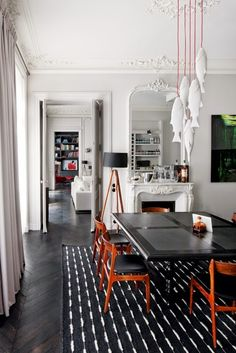 A Classic and Modern Parisian Apartment