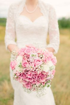 pink wedding bouquet {The Nickersons}