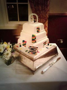 Lego wedding cake, Nunsmere