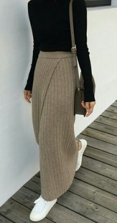 Great overlap front skirt- would be great long or short