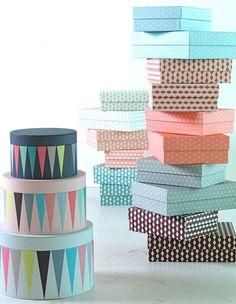 קופסאות בהדפסים גיאומטריים (יחצ איקאה)
