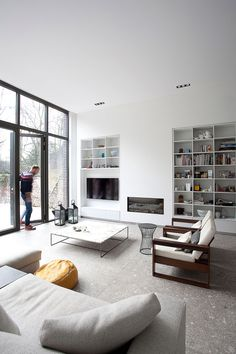 terazzo floor the floor! Apartment Makeover, Home Interior Design, Living Room Flooring, House Design, Terazzo Floor, Interior Design, House Interior, Terrazzo Flooring, Apartment Interior