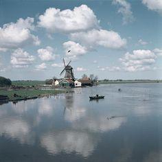 Monnickendam, Netherlands, photograph by Willem van de Poll. North Sea, Rotterdam, Netherlands, Travel Inspiration, Sailing, Greece, Spain, Coast, River