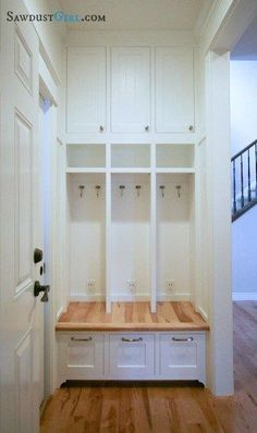 Built In Locker Bench Go To Sawdust Get The Free Plans