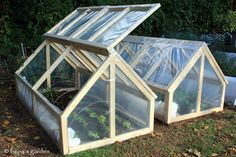 https://www.etsy.com/pt/listing/164717655/mini-greenhouse-plans-pdf-version?ref=related-1