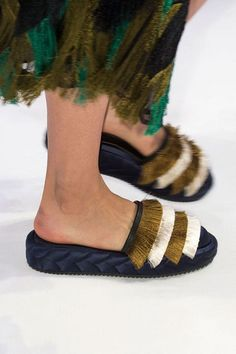 186b55b7081 Fun Fringe - How to Spice Up Your Wardrobe with Maximalist Shoes - Photos  Zapatos Antiguos