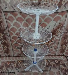 Shoes Storage Stand Out of Old Fans: 30 Steps (with Pictures) Diy Crafts For Home Decor, Cute Crafts, Moms 50th Birthday, Lampe Retro, Fairy Garden Doors, Old Fan, Garden Deco, Cool Inventions, Shoe Storage