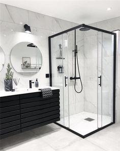 Banheiro preto e branco: 50 dicas e inspirações Bathroom Goals, Dream Bathrooms, Master Bathrooms, Small Bathrooms, White Bathrooms, Beautiful Bathrooms, Black And White Bathroom Ideas, Modern Luxury Bathroom, Farmhouse Bathrooms