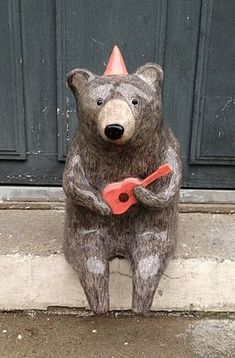Ceramic ukulele playing bear by Nathalie Choux Ceramic Animals, Clay Animals, Wild Animals, Ceramic Pottery, Ceramic Art, Art D'ours, Sculptures Céramiques, Illustration Art, Illustrations