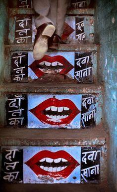 Steve McCurry Dentist's Clinic, Ujjain, India, 2004