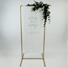 Beautifully hand-lettered wedding signage by The Ess Letter