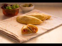 Empanadillas de atún con masa de cerveza Relleno, Spain, Bread, Youtube, Food, Afternoon Snacks, Meals, Sweets, Ale