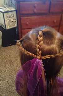 He Couldn't Style His Daughter's Ponytail, So This Single Dad Took A Cosmetology Class