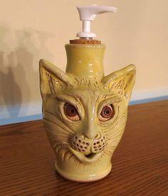 White Playful Cat Soap Dispenser Resin Green Eyes Feline Bath Kitchen Decor