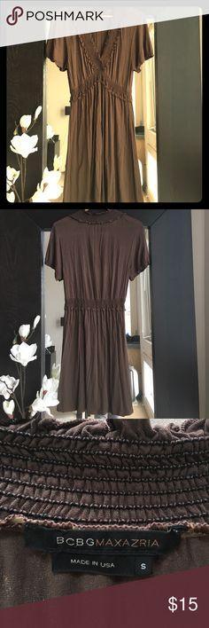 BCBGMAXAZRIA Knit Dress V-neck ruffle detail with cinch waist. Used condition. BCBGMaxAzria Dresses Midi