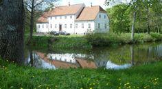 Lerbæk gods hovedgård 2 km nordvest for  Frederikshavn.