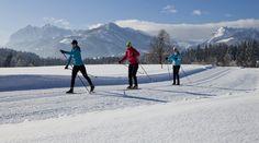 Bald ist es so.  Wir  beim #Langlaufen im #Kaiserwinkl: Herrlich! #peternhof #hotelintirol #wintersport #winterspaß #soft #berge #alpen #tirol #skiresort #schnee Softies, Mount Everest, Mountains, Nature, Travel, Long Distance, Alps, Snow, Viajes