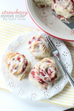 Delicious and easy to make Strawberry Sweet Rolls!