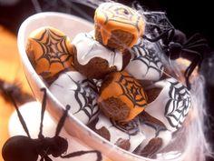 Schaurige Muffins zu Halloween - Zeit: 30 Min. | eatsmarter.de