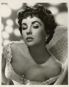 """Elizabeth Taylor portraits from """"Rhapsody"""" 1954."""