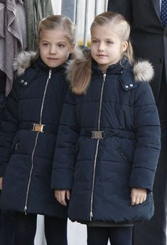 (R-L) Spain's Infanta Leonor with her younger sister Infanta Sofia have gone to see their grandfather King Juan Carlos for the first time after the intervention, 22.11.13