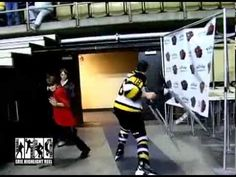 There are epic teenage temper tantrums, and then there's the wild fit that was thrown by a Canadian junior hockey player in Ontario.  As reported by Prep Rally's Canadian brotherly junior hockey blog Buzzing the Net, 17-year-old Kingston (Ont.) Frontenacs defenseman Ryan Hutchinson found himself drawn into a scrap with Erie (Pa.) Otters star Jake... Hockey Games, Hockey Players, Good Ol, Otters, Kingston, Ontario, Scrap, Fitness, Sports