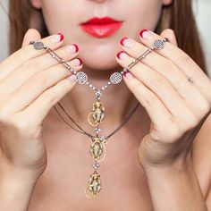 GEMOLOGUE_Liza Urla_Lorraine Schwartz_Harrods Fine Jewellery_Diamond Monkey_06