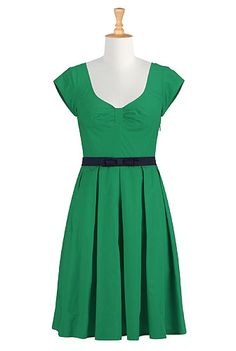 Belted poplin dress. Simple and pretty! Just BEGGING to be accessorized...