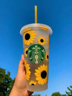 Copo Starbucks, Bebidas Do Starbucks, Starbucks Green, Starbucks Drinks, Personalized Starbucks Cup, Custom Starbucks Cup, Starbucks Tumbler, Personalized Cups, Starbucks Shop