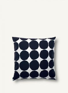 Give your living room a quick make over with the Pienet Kivet cushion cover by Marimekko. The pattern is a classic Marimekko design by… Marimekko, Large Throw Pillows, Modern Throw Pillows, Textiles, Handmade Pillows, Decorative Pillows, Decorative Objects, Pillow Shams, Pillow Cases