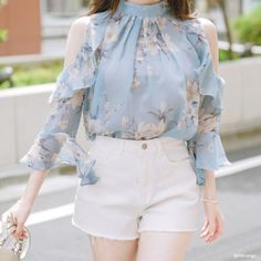 New korean fashion outfits Kpop Fashion Outfits, Girls Fashion Clothes, Korean Outfits, Fashion Dresses, Cute Casual Outfits, Pretty Outfits, Stylish Outfits, Kawaii Fashion, Cute Fashion