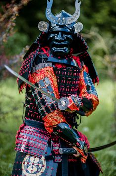 Collection of photos showing the beauty of Japan including landscape photos,Japanese martial arts, Samurai history and beautiful Japanese women. Kabuto Samurai, Ronin Samurai, Samurai Warrior, Samurai Swords, Geisha, Arm Armor, Body Armor, Japanese Culture, Japanese Art