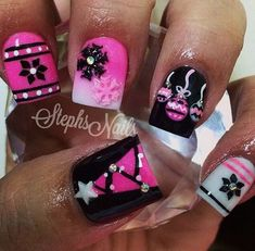 Pink white and black festive nails. pink white and black festive nails 46 christmas nail art designs Xmas Nails, Get Nails, Fancy Nails, Trendy Nails, Christmas Nails, Love Nails, Black Christmas, Pink Nails, Christmas Holidays