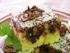 Vejce, kefír, cukr a olej smícháme dohromady, přidáme kokos smíchaný s moukou a práškem do pečiva, vše důkladně promícháme. Nalijeme na menší... Kefir, Desert Recipes, Tiramisu, Banana Bread, French Toast, Deserts, Muffin, Pudding, Pie