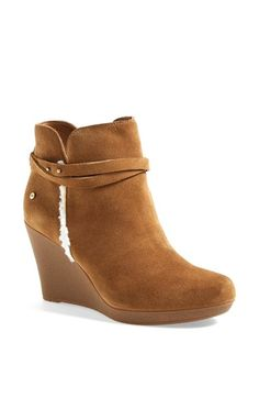stylish water resistant wedge booties - these are the perfect jean boots