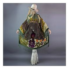 Our most divine kimono ever! As with most of our kimonos this piece is made out of vintage shawls that are no longer reproduced because the cost no. Bd Fashion, Velvet Fashion, Gypsy Style, Hippie Style, Boho Hippie, Cardigans For Women, Jackets For Women, Peacock Pattern, Boho Life
