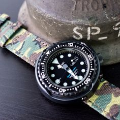 Some camouflage on friday! #MiLTAT WW2 canvas watch strap with #seikotuna #SBBN00E #strapcode