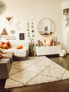 All the bedroom design ideas you'll ever need. Find your style and create your dream bedroom scheme no matter what your budget, style or room size Decoration Inspiration, Aesthetic Bedroom, Dream Rooms, My New Room, House Rooms, Dorm Room, Living Room Decor, Hippie Living Room, Interior Design