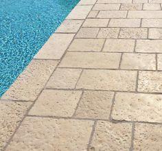 pavimento acaya multiformato colore beige griglia bordo piscina ...