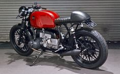 "Passion red! BMW R100 ‪‎Cafe Racer‬ ""Beta"" by Kevils Speed Shop. Una ‪BMW con un diseño limpio y mucha pasión 
