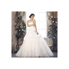 Sweetheart ivory chapel train ball gown wedding dress